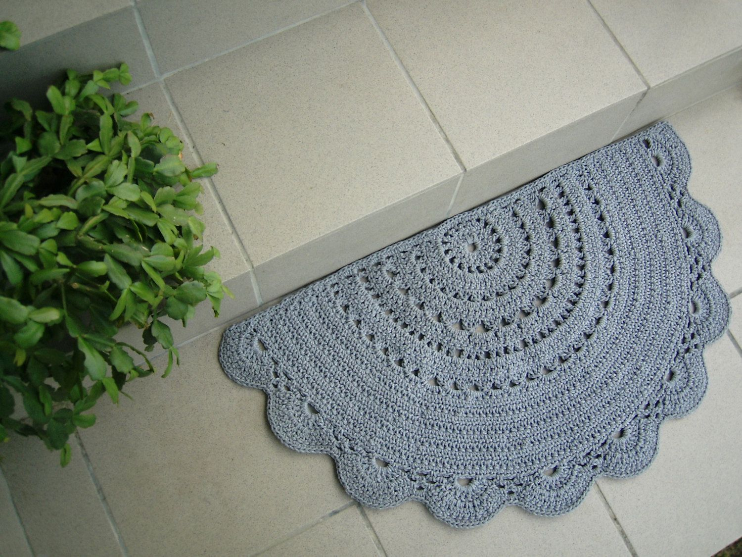 half circle doily crochet rug doormat bathroom rug gray white pistachio green red. Black Bedroom Furniture Sets. Home Design Ideas
