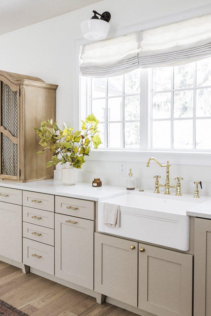 17 Gorgeous Greige Kitchen Cabinets