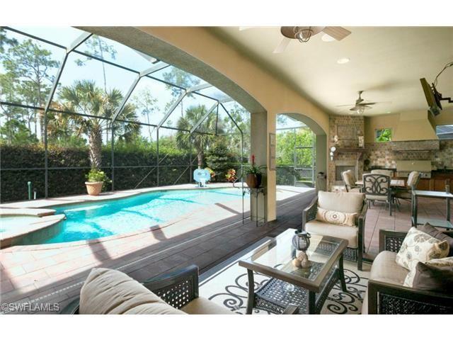 14648 Beaufort Cir Naples FL 34119  Wohnzimmer im Freien mit Pool und Spa Öbeaufort
