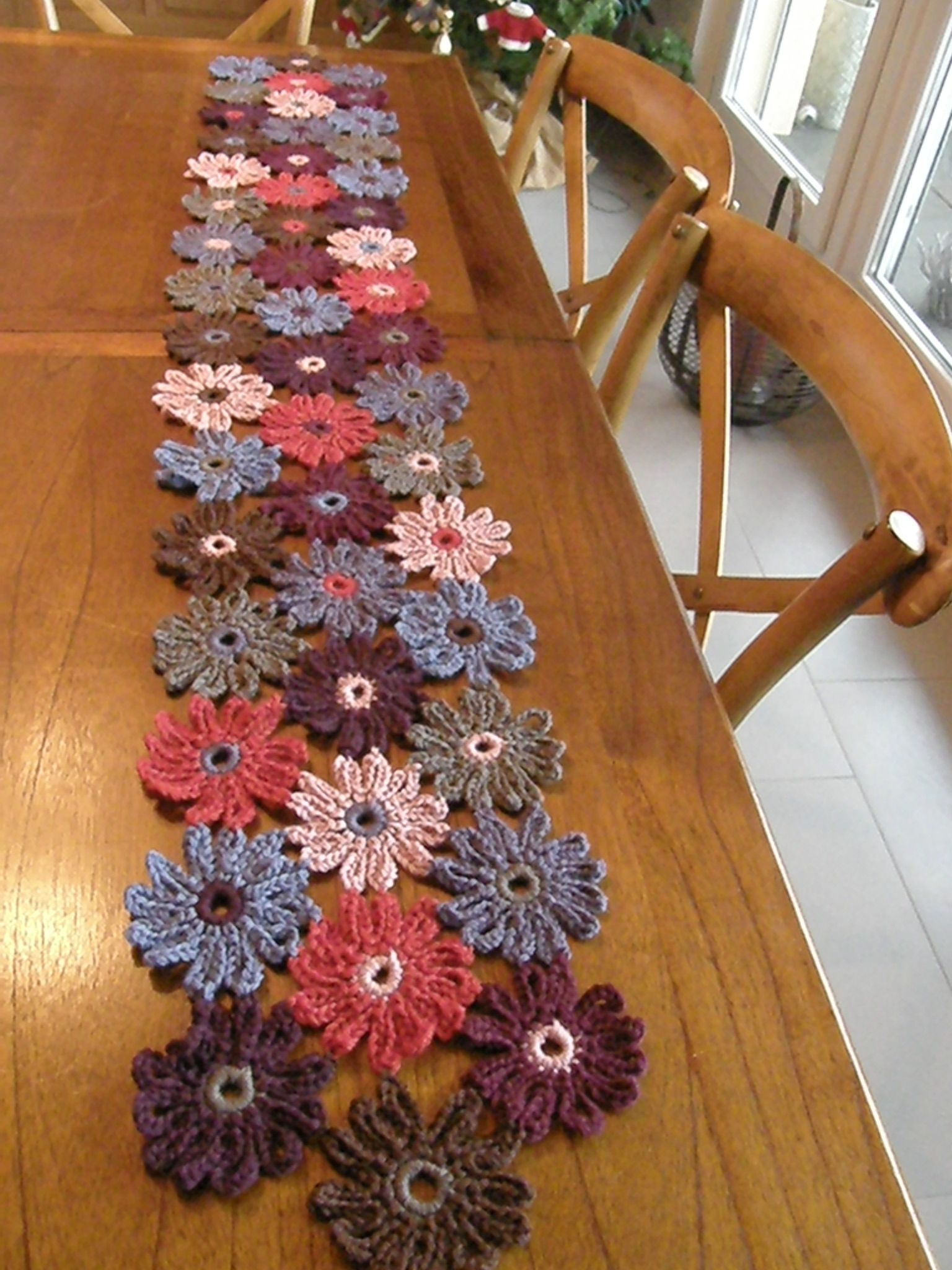 Echarpe fleurs en crochet