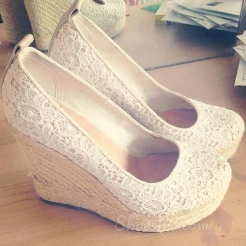 Mesh Upper Close-toe Wedge Heels
