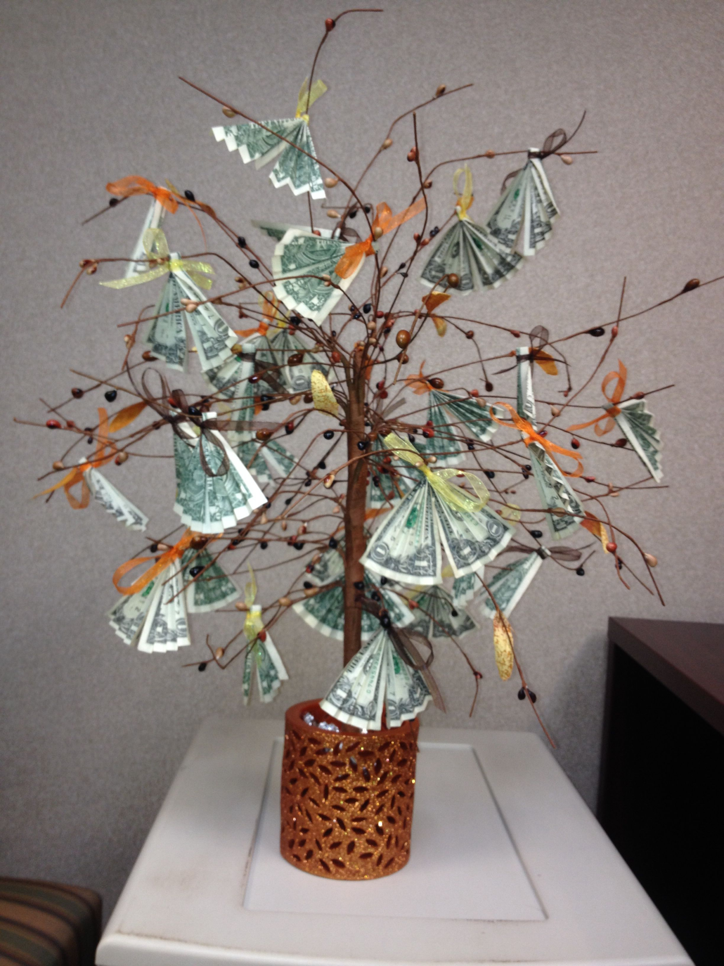 Money Plant Decoration In Living Room: Creative Money Gifts, Money