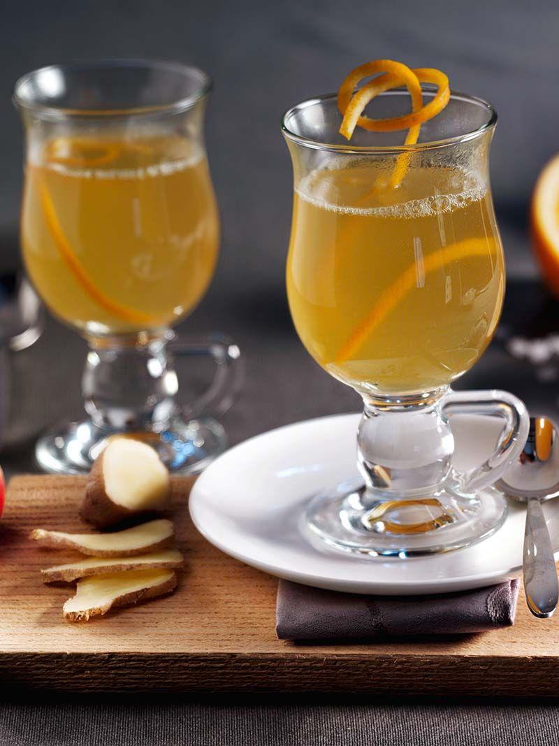Ein frischer Punsch mit Apfel, aromatischem Calvados und leichter Schärfe durch frischen Ingwer! #Punsch #Apfel #Ingwer #Calavados #Rezept