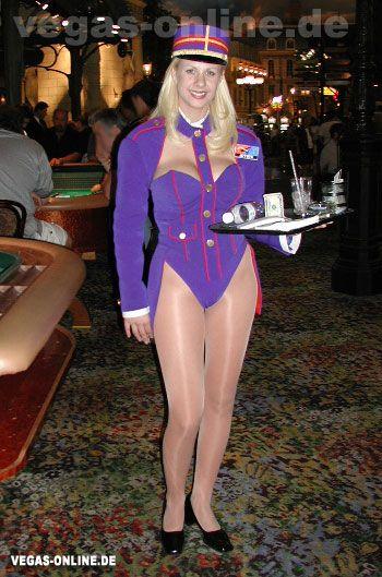 Great waitresses who wear pantyhose still