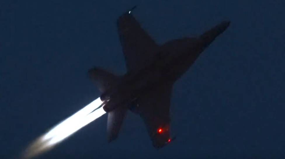 Check Out This Awesome Footage Of An F/A18F Super