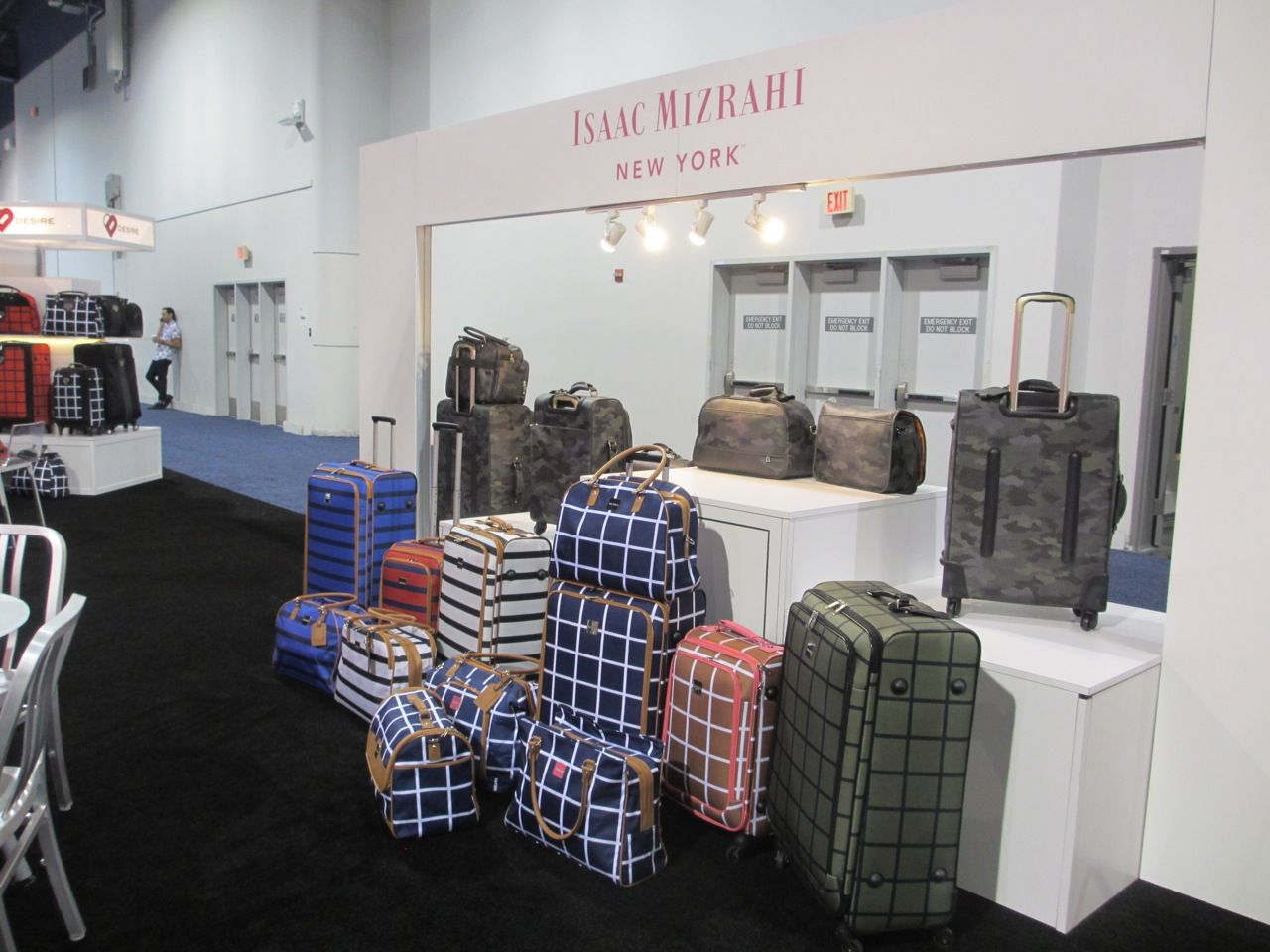 Fine Isaac Mizrahi New York Signal Brands Luggage And Suitcases Home Interior And Landscaping Ologienasavecom
