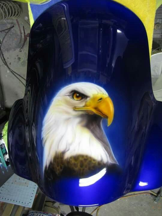 airbrushed eagle on front faring by AIR-FX AIRBRUSHING