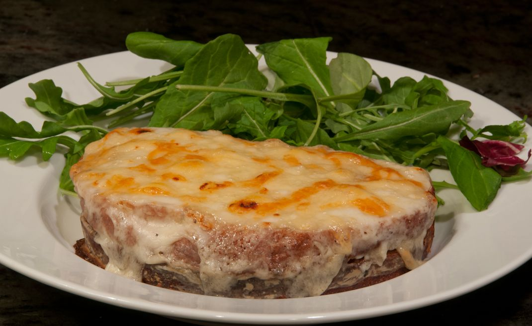 Ina Garten's croque monsieur. One of the best alternatives to a hot ham and cheese sandwich. #croquemonsieur