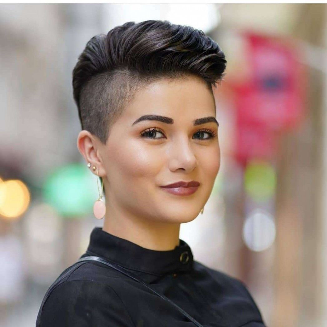 New Short Hairstyle 12 In 2020 Shaved Side Hairstyles Thick Hair Styles Pixie Haircut