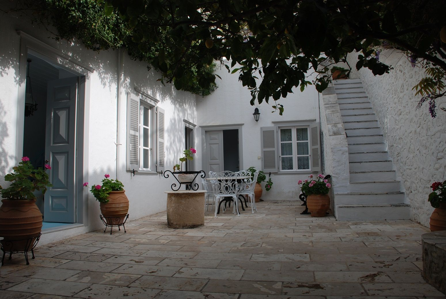 hydra island rent house