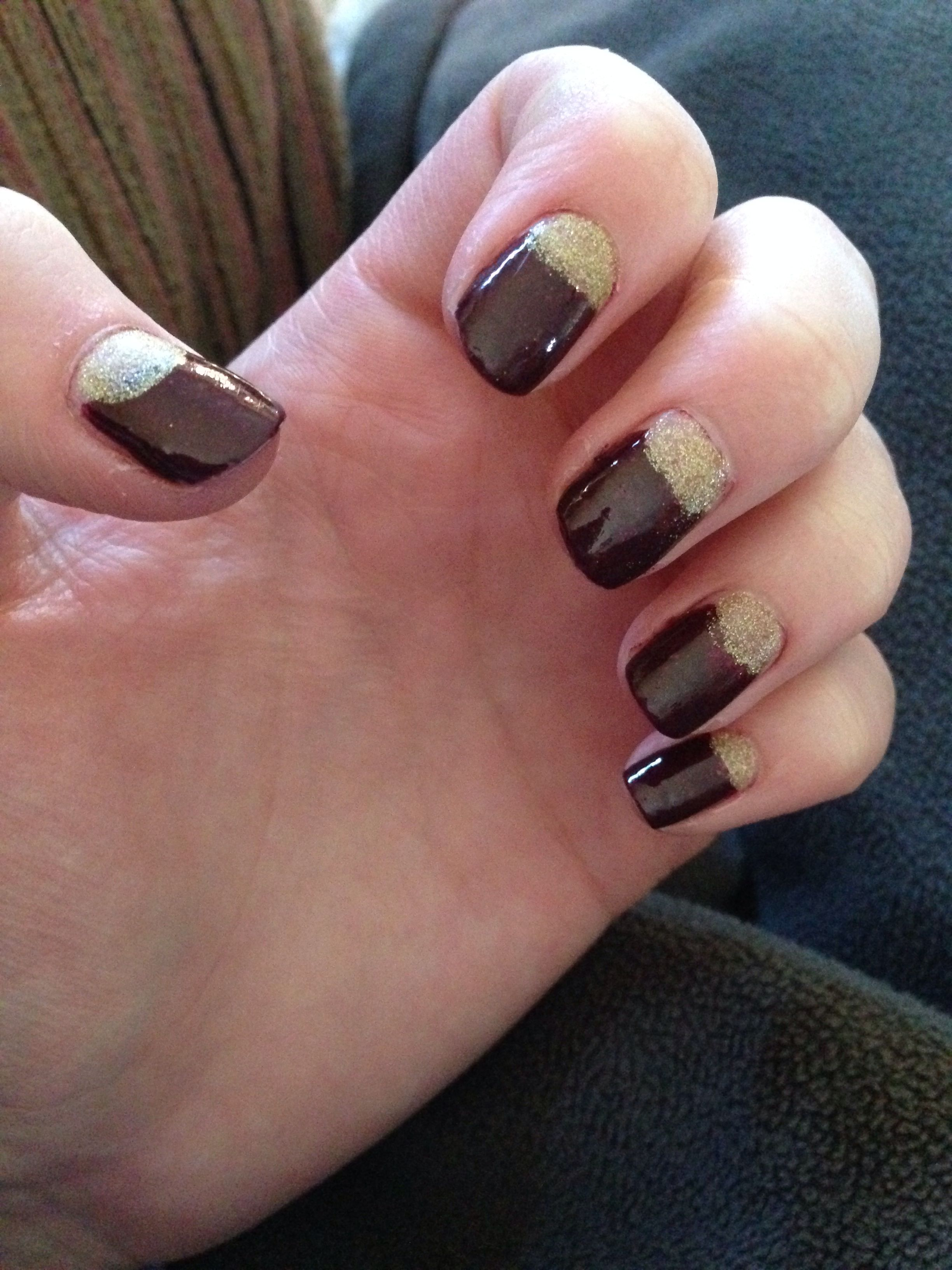 Maroon and gold glitter nails | Nail Ideas | Pinterest | Gold ...