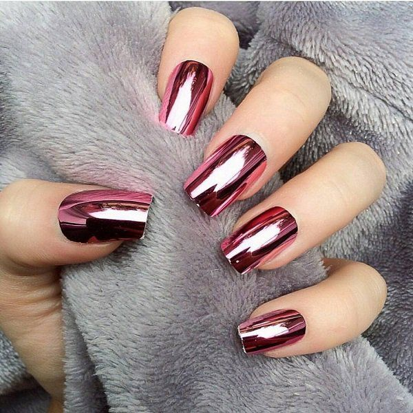 273d26ed280 Chromium powder is applied--perfect-so-that-the-mirror effect is-obvious  ...  applied  chromium  effect  mirror  naildesign  obvious  perfect  powder