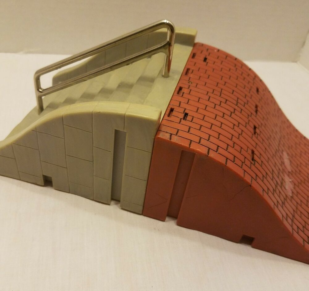 Tech Deck Ramps Red Brick Stairs with Rail Finger