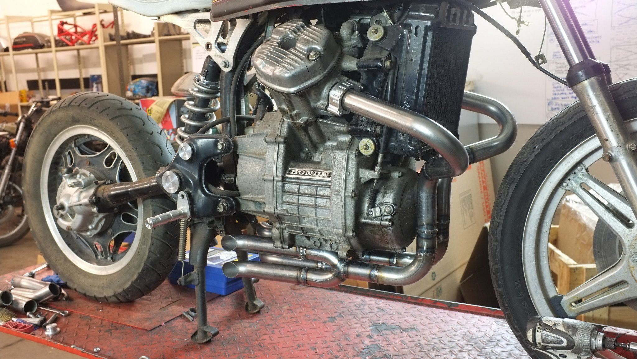 CX500-GL500, CX650-GL650- 2 in 4 exhaust system   Brat cx500