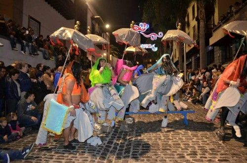 Grupo Mascarada Carnaval: Puerto de la Cruz celebra el Mascarita Ponte Tacón...