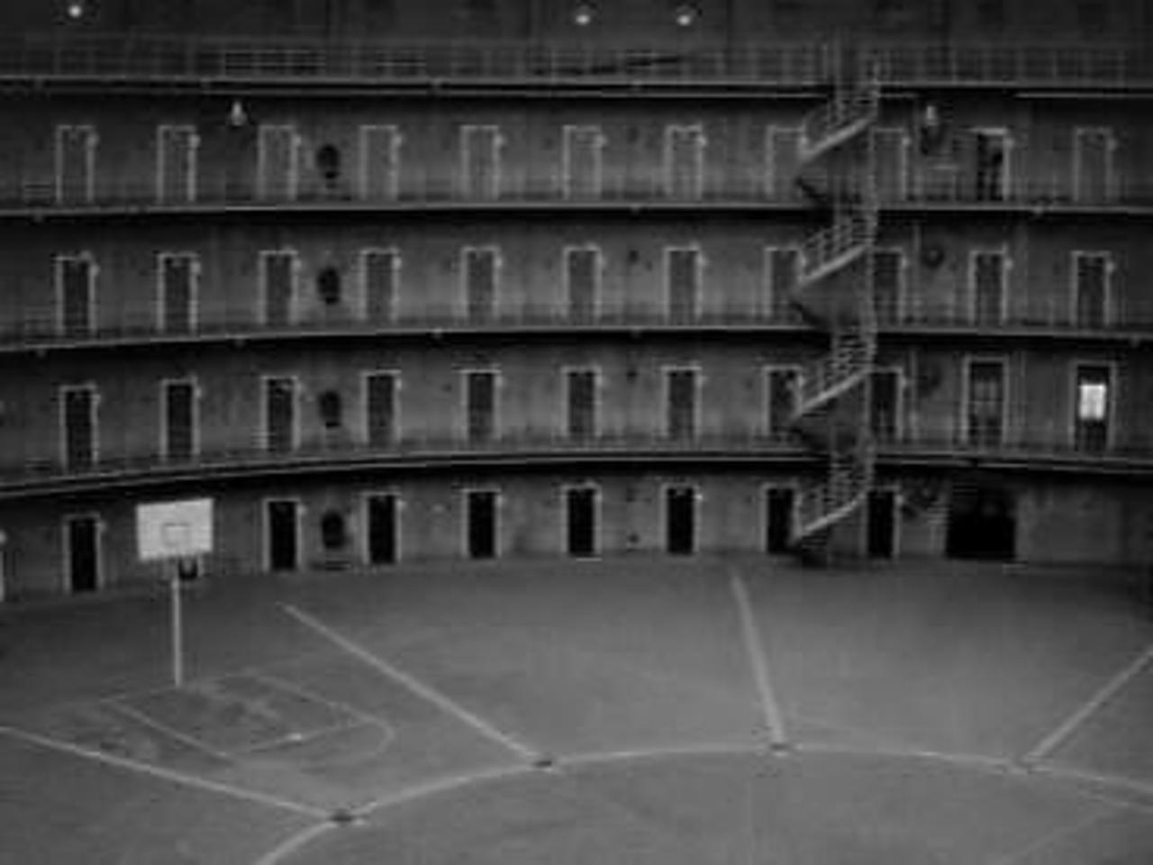 Koepel haarlem jail around the world pinterest prison for Gevangenis de koepel haarlem
