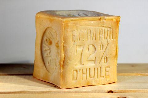 Cube de savon de marseille l 39 huile de coco sans - Savon de marseille sans glycerine ...