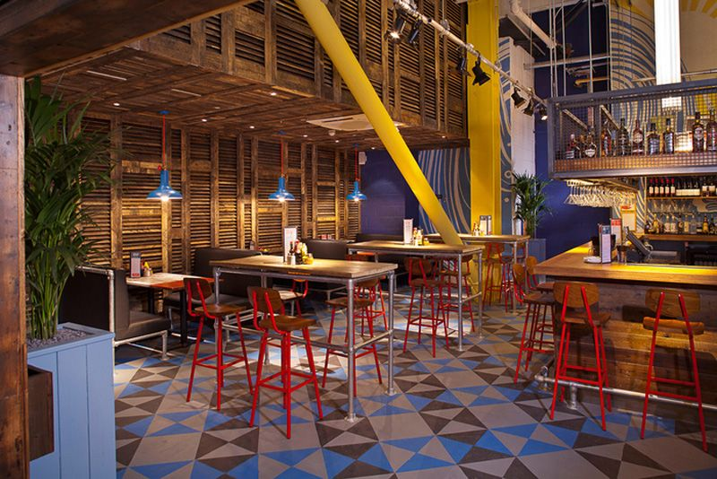 Los 27 mejores dise os de interiores de bares y for Mision comedor industrial