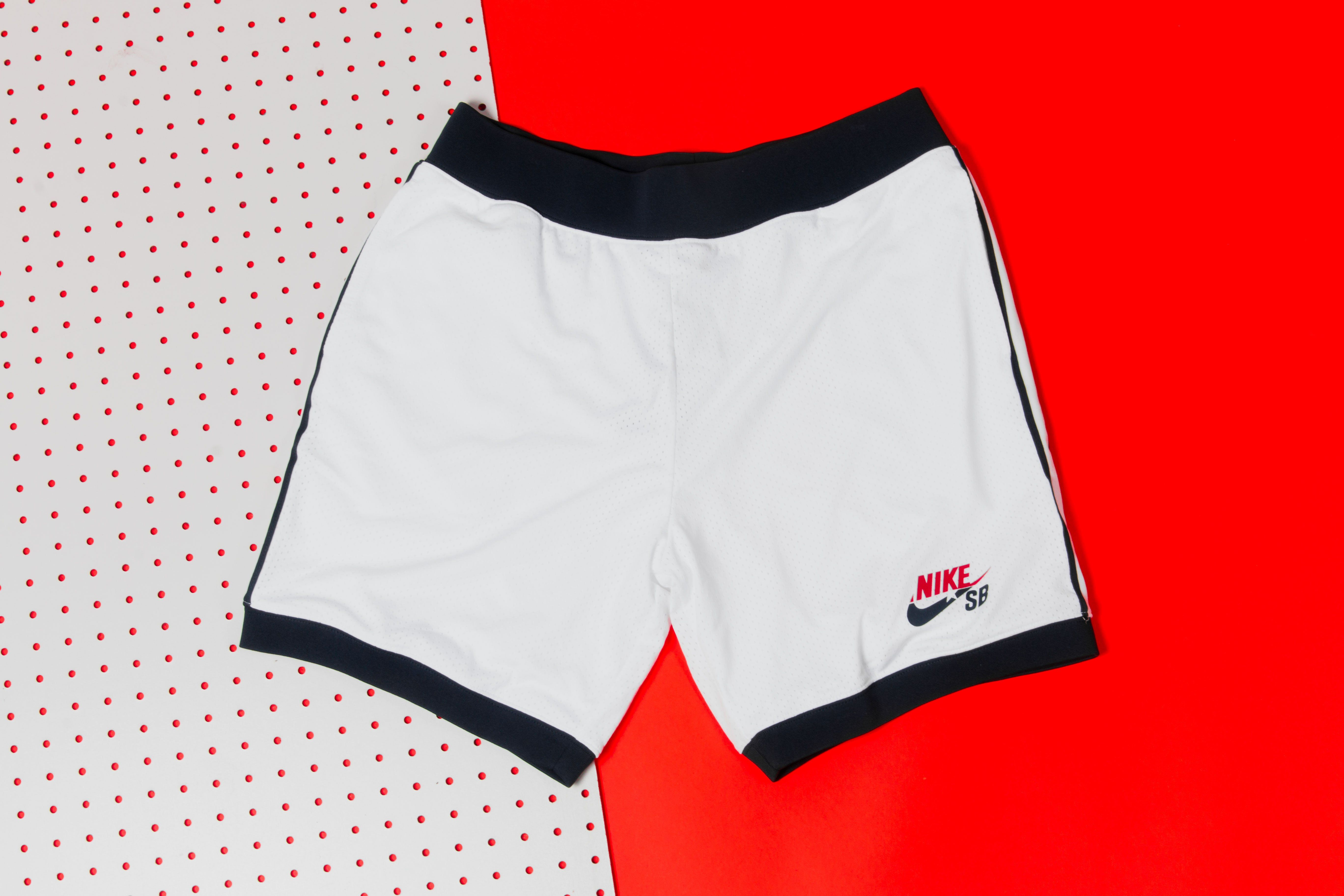 409a3465a4 Nike SB - Classic Court Short (White/Navy) | Products | Nike SB ...