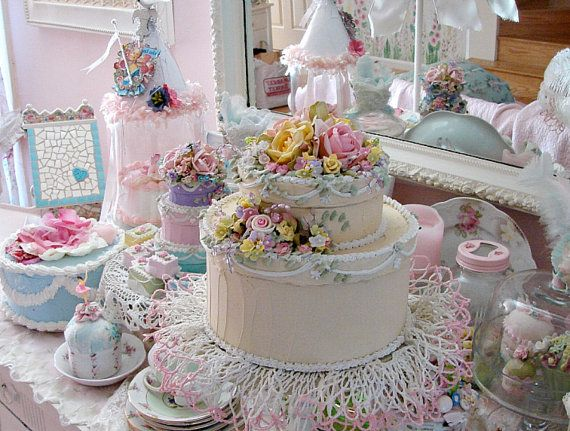 Large Faux Wedding Cake Hatbox - How cute is this?