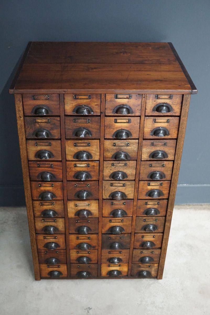 dating antikke møbler hardware