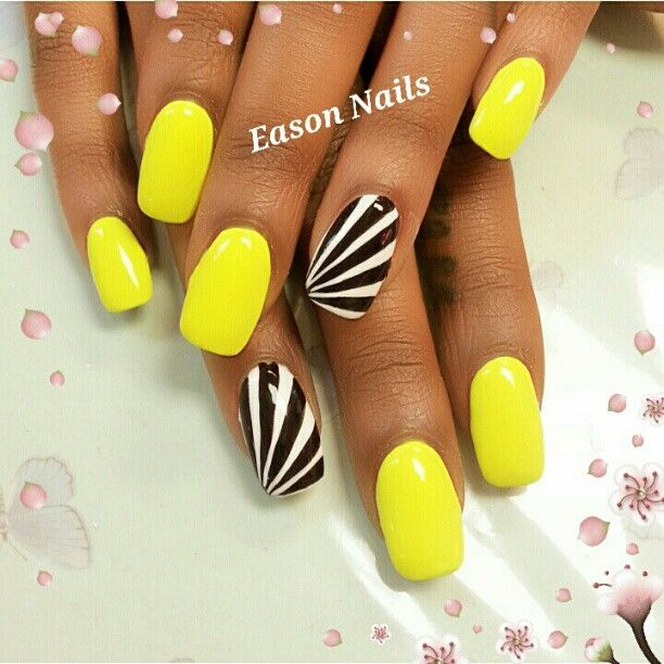 Black and White accent nails to bright yellow polish nail art design - Black And White Accent Nails To Bright Yellow Polish Nail Art
