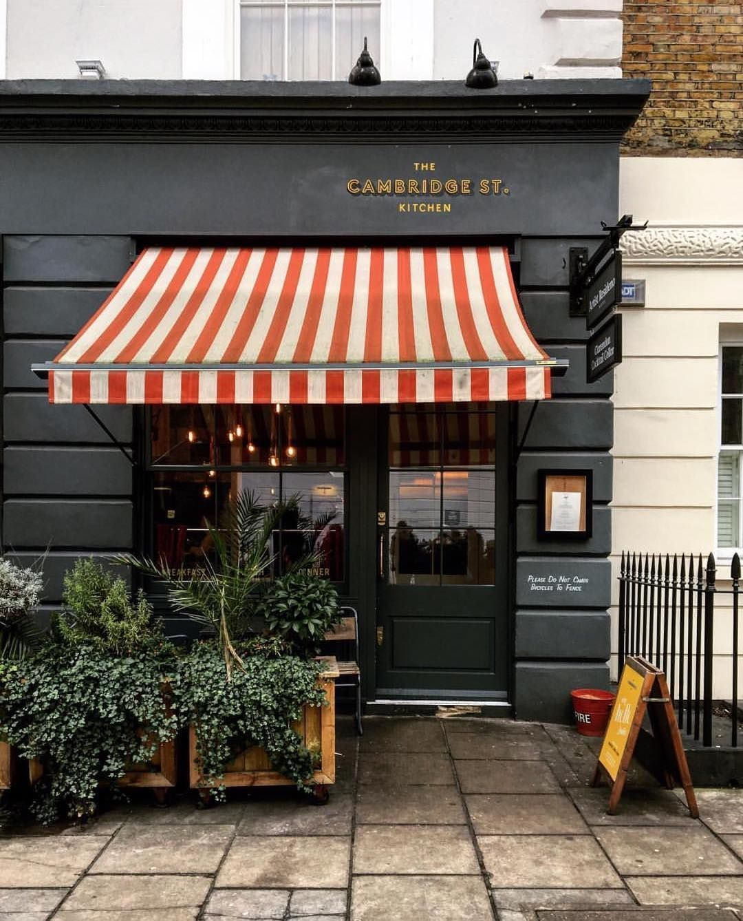 Like The Grey With The Stripes Storefronts Amp Interiors