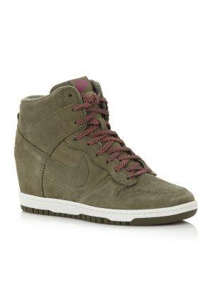 fceeaa45f9d Nike Sneaker Dunk Sky High met sleehak | Outfit - Sneakers, Sneakers ...