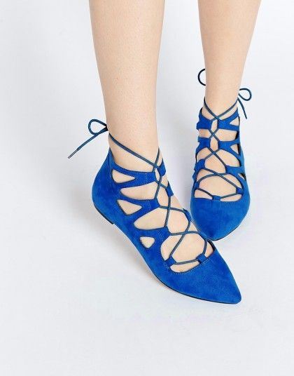 Lace-Up Flats Perfect For Fall