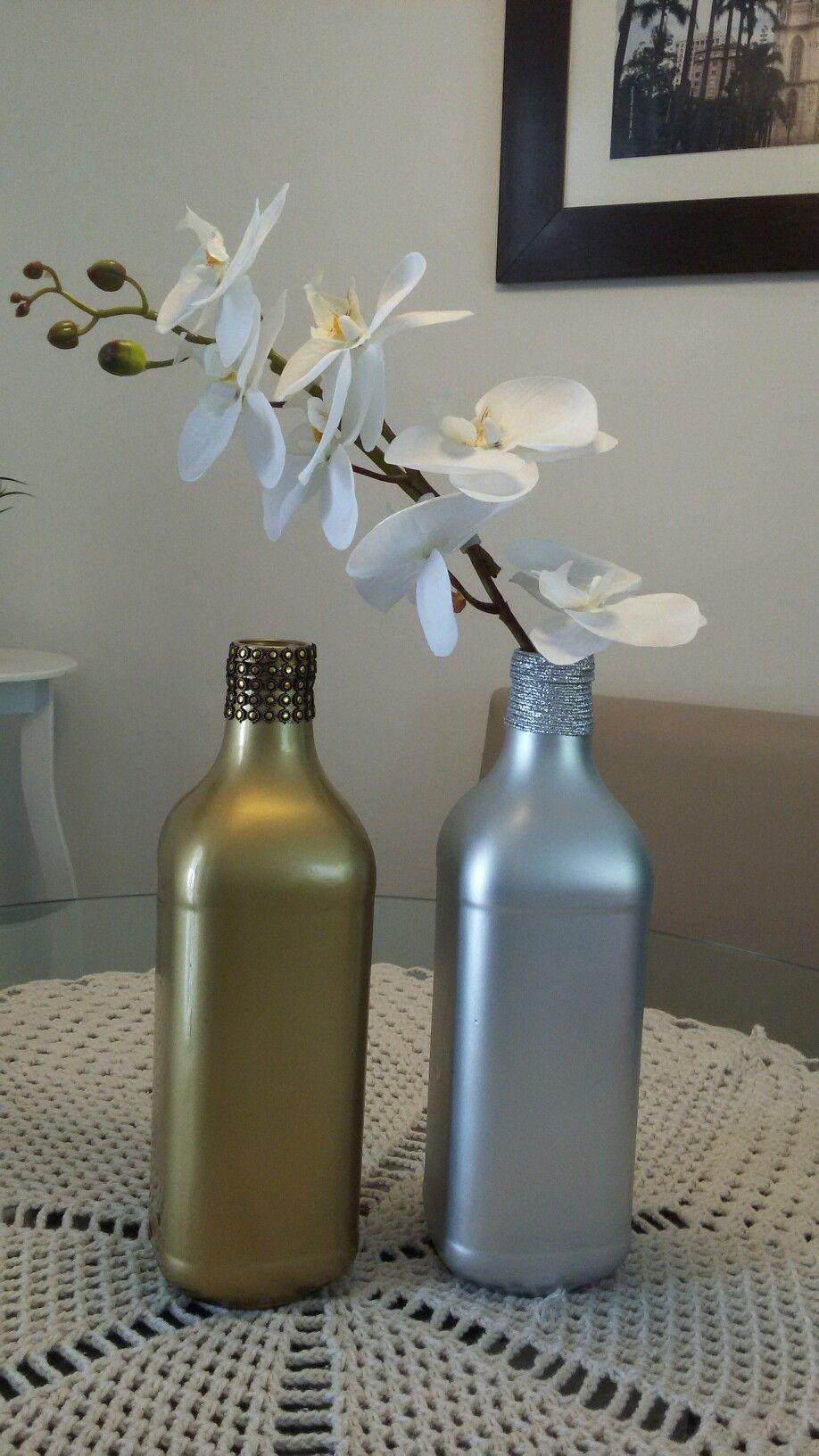 Garrafa de suco de uva decorada