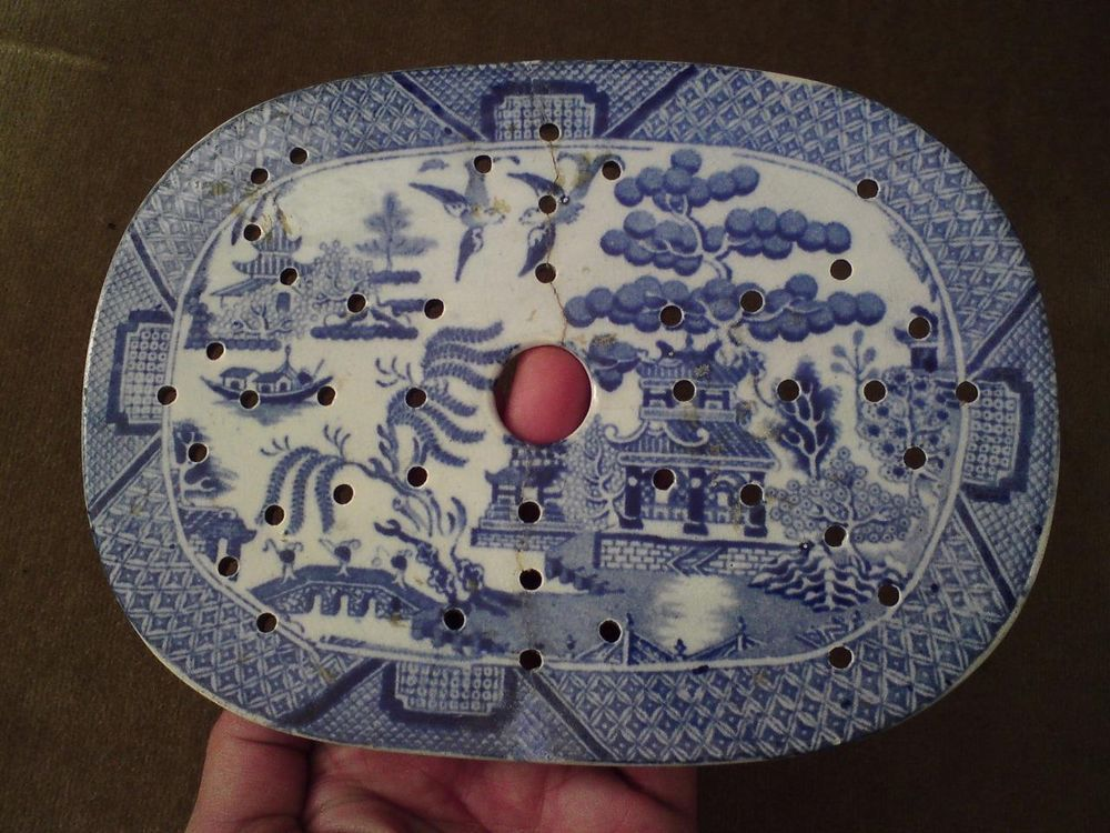 Rare antique small vegetable strainer drainer willow pattern blue&white pottery