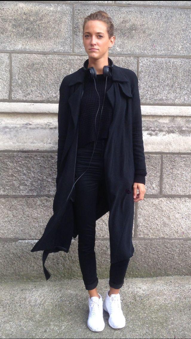 Nike Roshe Black Look