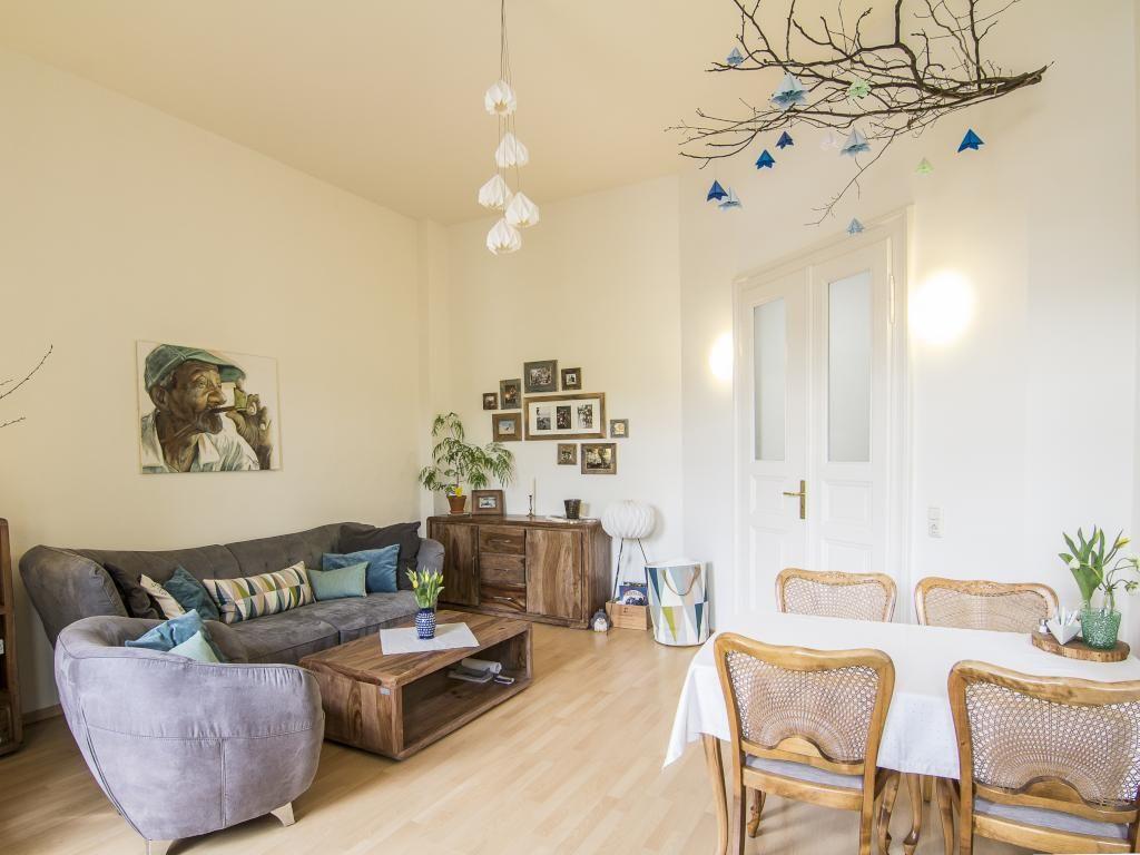 Schöne Dekoration Aus Ästen Fürs Wohnzimmer. #DIY #Dekoration #Äste  #Kommode #