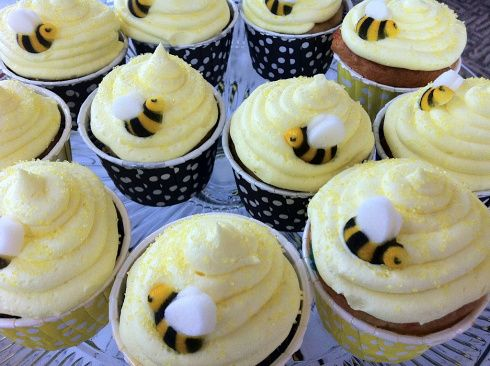 Bumble Bee Baby Shower Cupcakes Pickyourplum