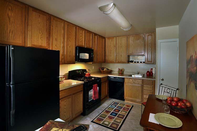 410 941 0958 1 3 Bedroom 1 2 Bath Versailles 111 Versailles Cir Towson Md 21204 Apartment Bedroom Floor Plans 3 Bedroom Floor Plan