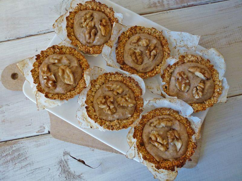 kiwi-forme.net Tartelettes légère aux flocons d'avoine et caramel de dattes  ( végan )