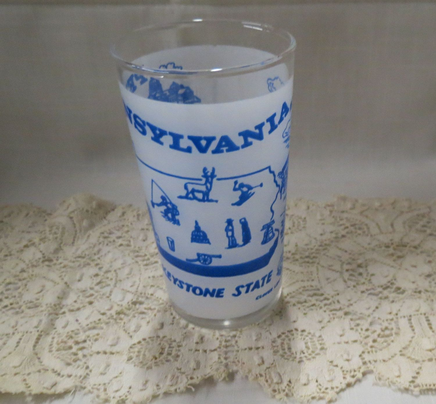 Pennsylvania Souvenir Tumbler Glass Vintage Frosted Glass The Keystone State Kitchenware Kitchen Ware #kitchenware