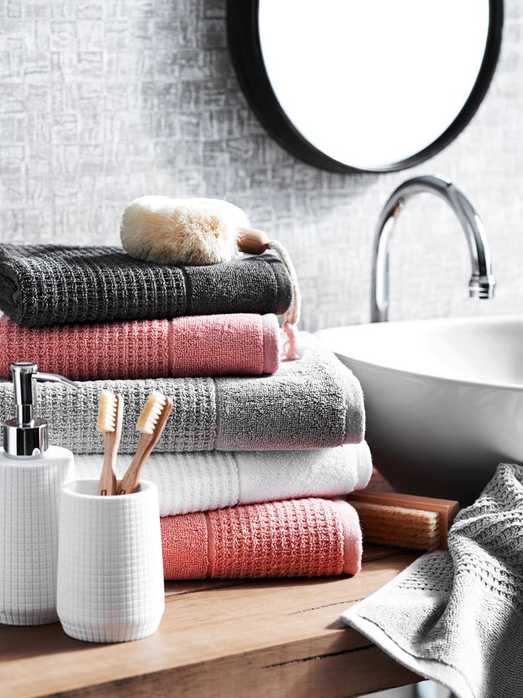 In Detail The Timeless Texture And Contemporary Hues Bathroom - Ribbed bath towels for small bathroom ideas