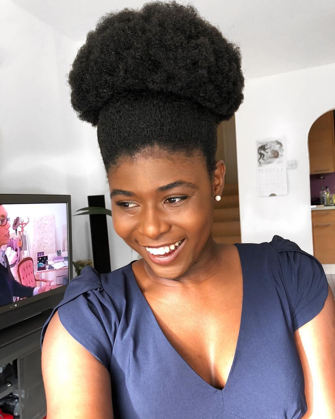 simplyfort) afro puff. afro hair. kinky hair. natural hair