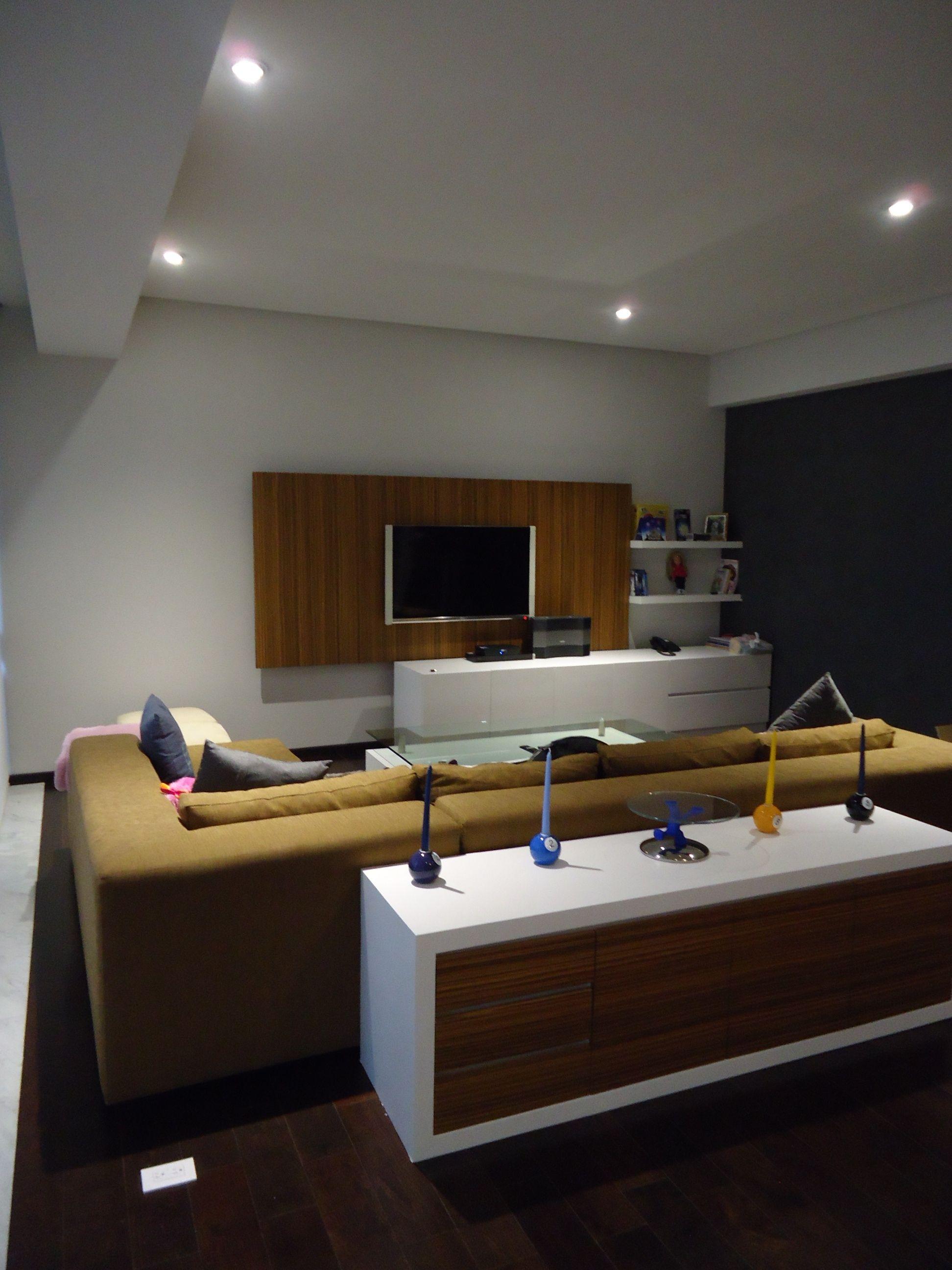 Mueble De Television En Combinaci N De Laca Blanca Y Madera De  # Muebles Santa Fe