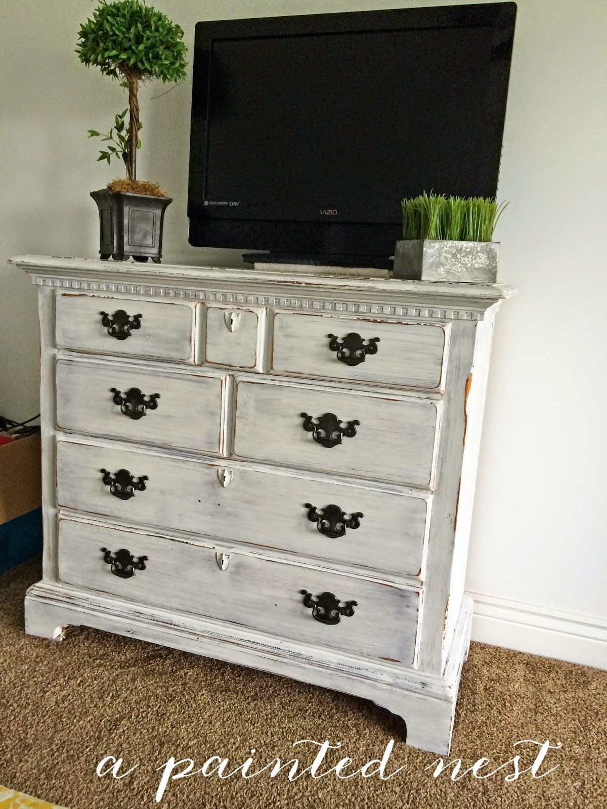 White Antiqued And Distressed 4 Drawer Dresser, This Is Perfect For A Bedroom  Entertainment Center