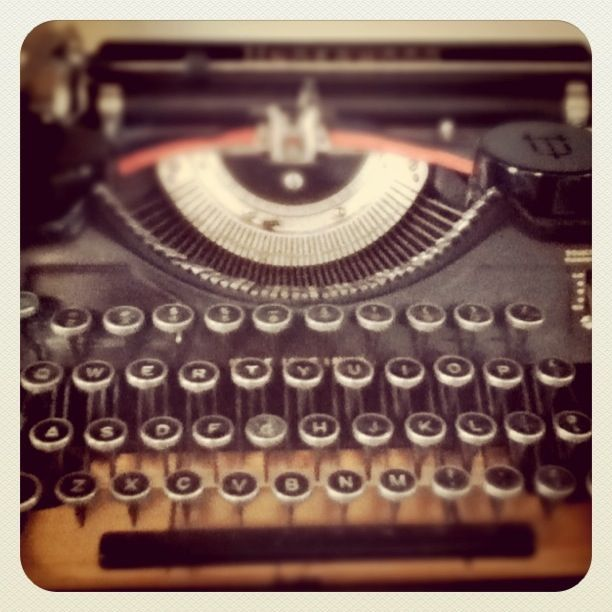 need to find me a typewriter like this