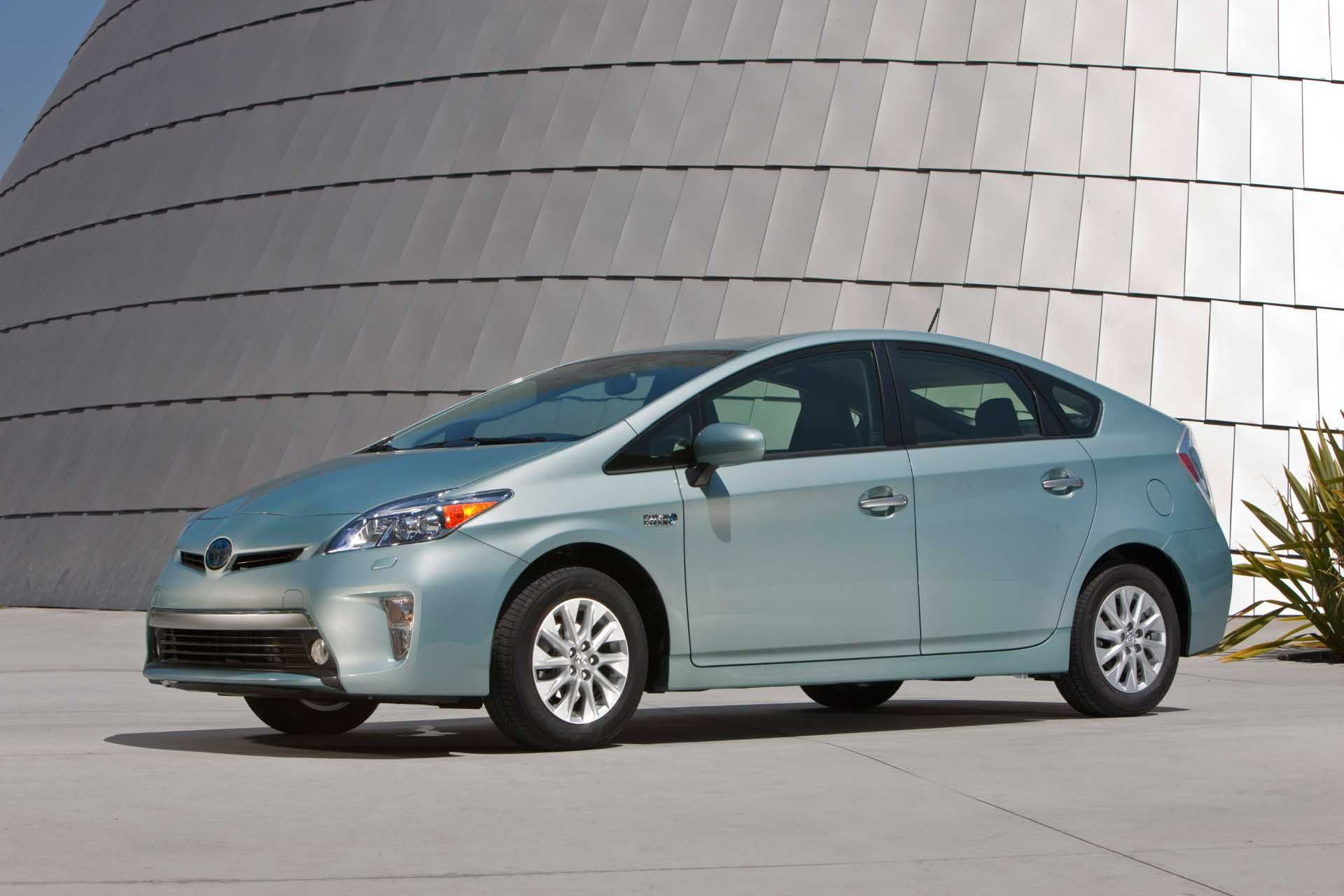 2017 toyota prius prime plug in hybrid gets an estimated 120 mpge car shows pinterest toyota prius toyota and cars