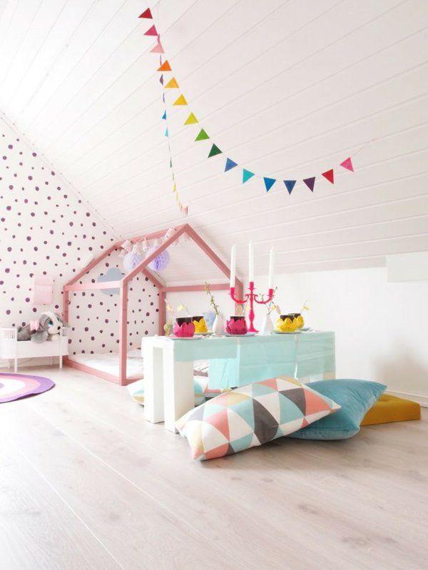 kinderzimmer mädchen dekokissen wandtapete gepunkt | Kinderzimmer ...