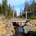 Forseggjort klopp / Nice made footbridge across a narrow creek