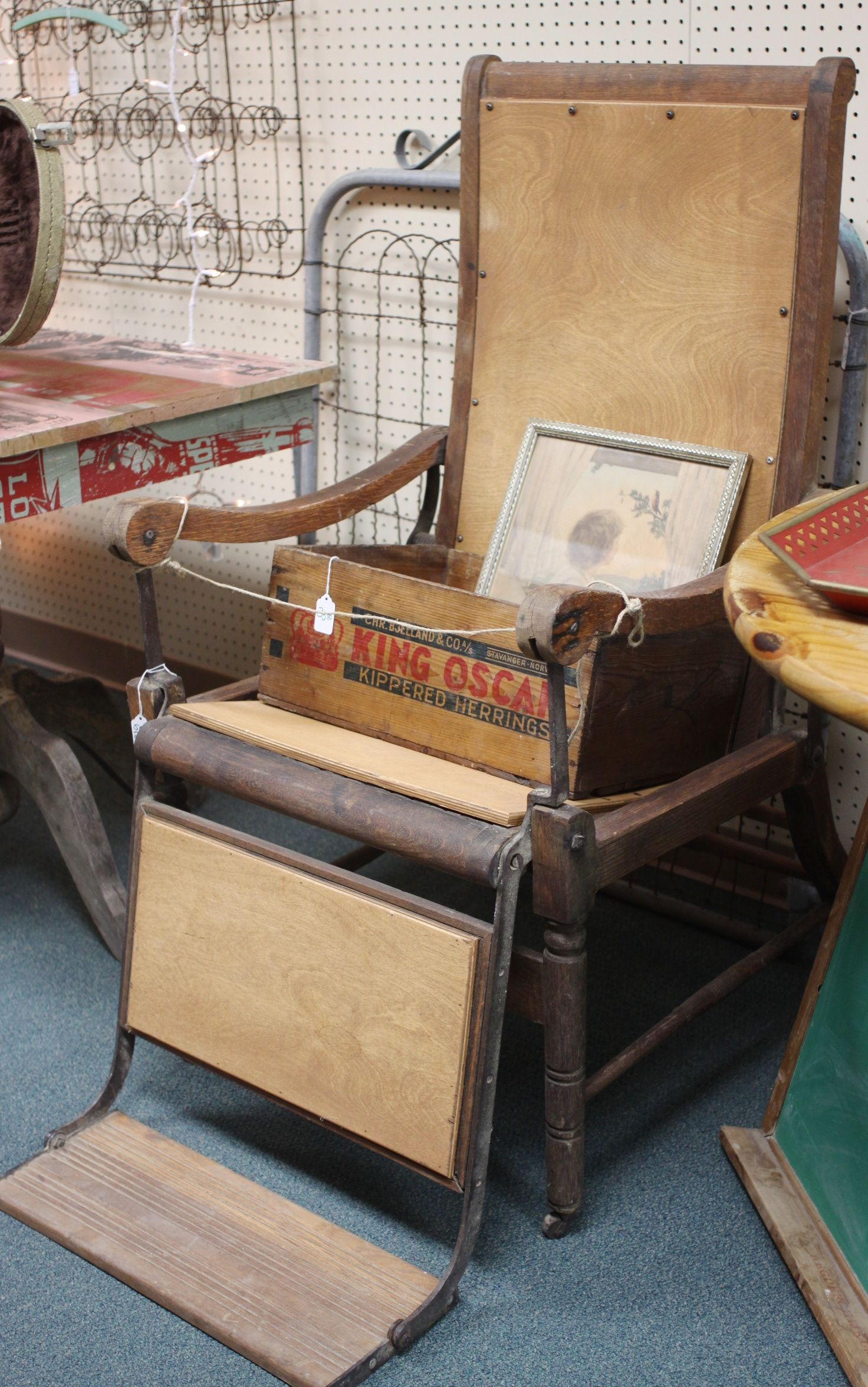 Vintage dental chair at Homestead Handcrafts in San Antonio, Texas. - Vintage Dental Chair At Homestead Handcrafts In San Antonio, Texas