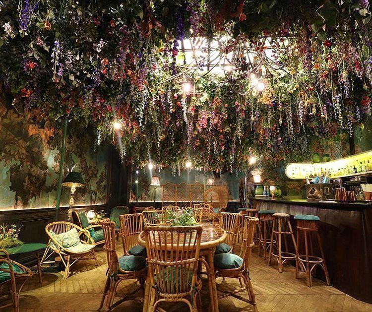 Decoration에 있는 Adnan Ali님의 핀 2019 실내정원, 레스토랑 인테리어 및 꽃집