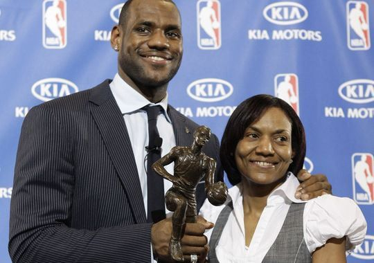 Leading And Succeeding As A Single Mother Lebron James Mother