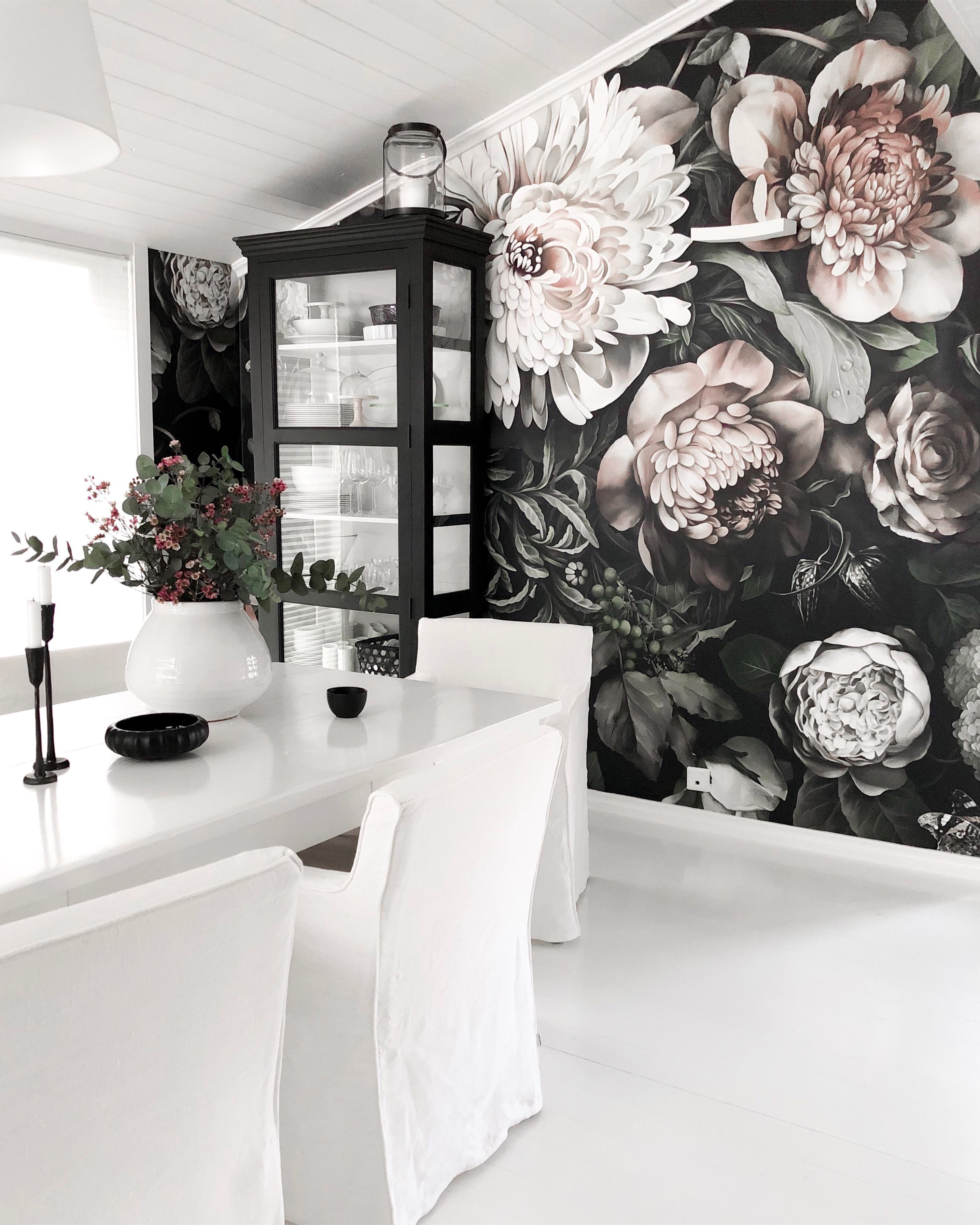 Dark Floral Ii Black Desaturated Xxl 300 Wallpaper Home