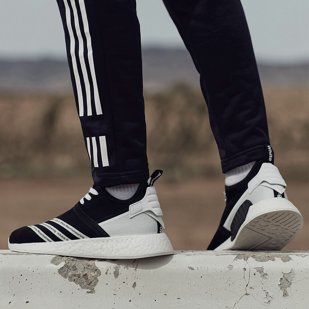 721e4f218  WMountaineering x adidas Originals NMD R2 PK . Disponible Available  SNKRS